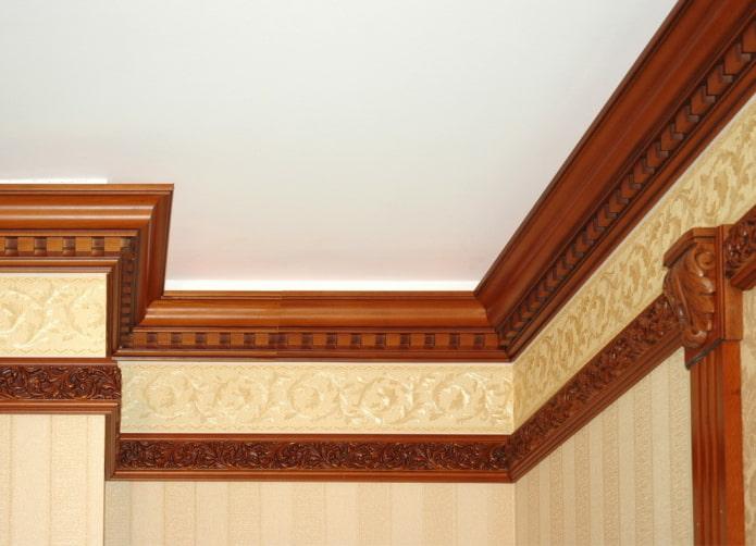 filet de plafond en bois