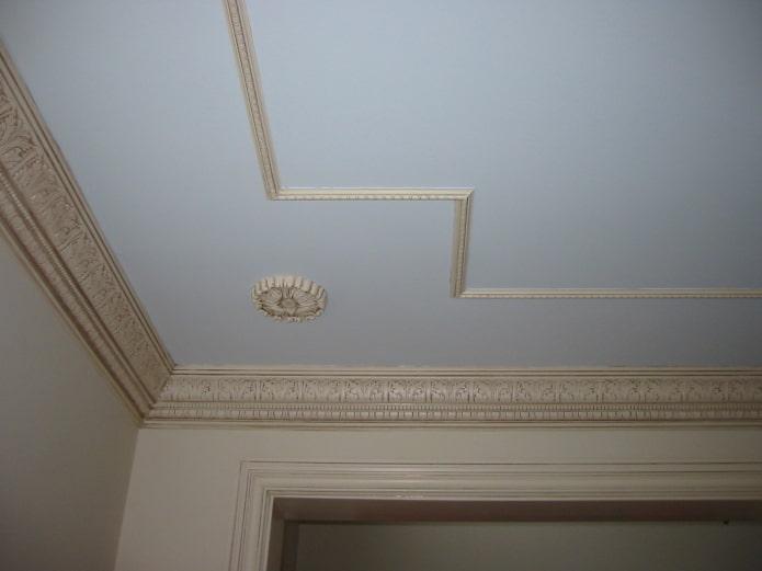 filet de plafond beige