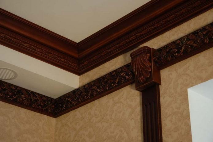 filet de plafond marron
