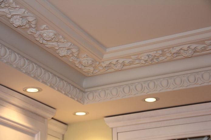 filet de plafond avec stuc