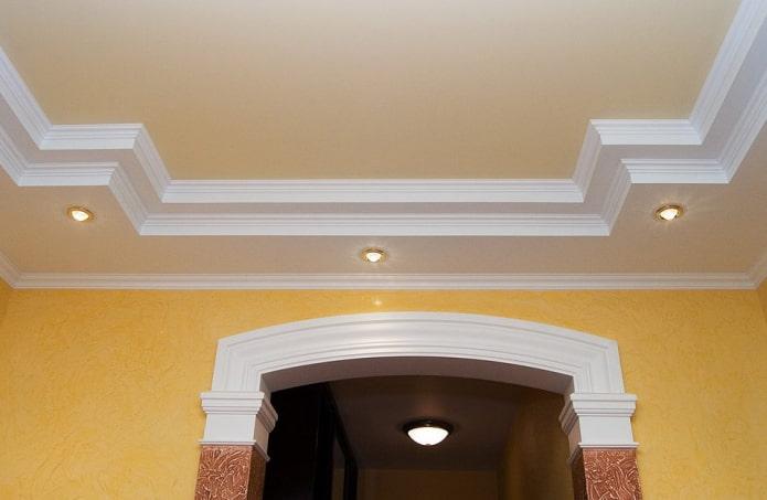 congés en combinaison avec un faux plafond