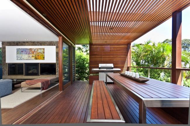 Balcon extérieur élégant avec pergola