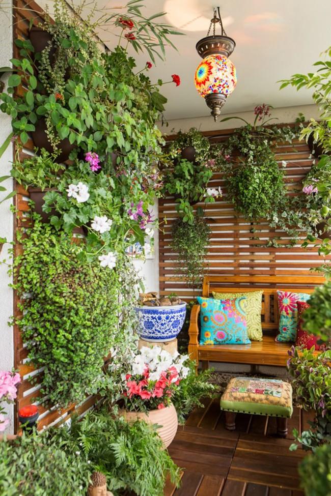Un balcon vitré chaleureux élargit considérablement les possibilités de choix des couleurs