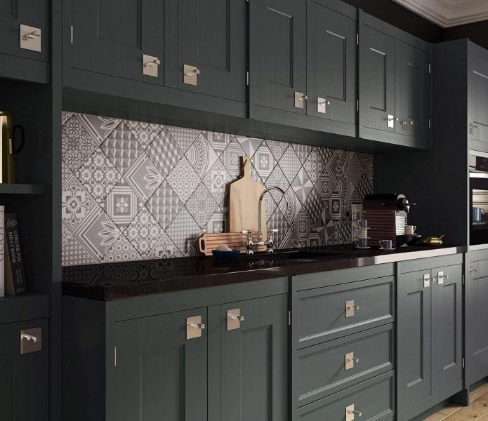 Carreaux patchwork à l'intérieur de la cuisine