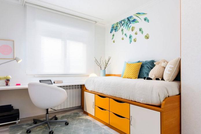 chambre blanche et jaune