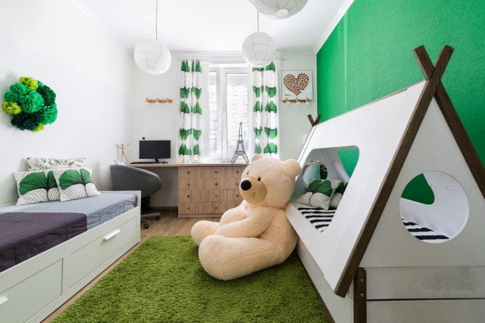 chambre d'enfant avec deux lits différents