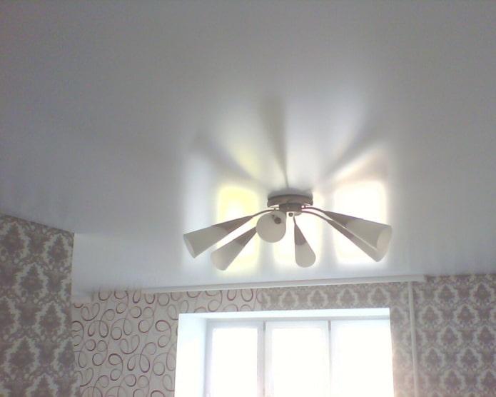 entretien plafond satiné