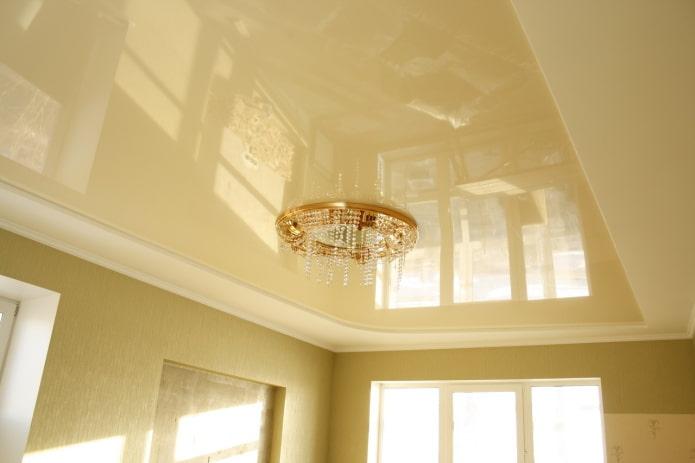 comment enlever les taches sur un plafond brillant