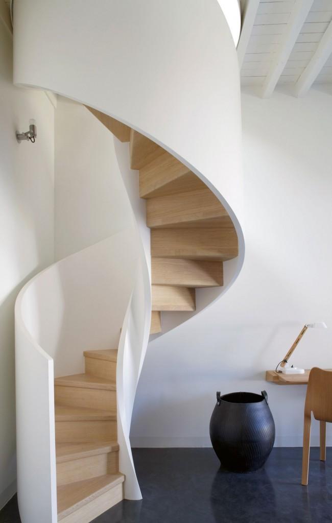 Escalier en colimaçon léger de style Art Nouveau