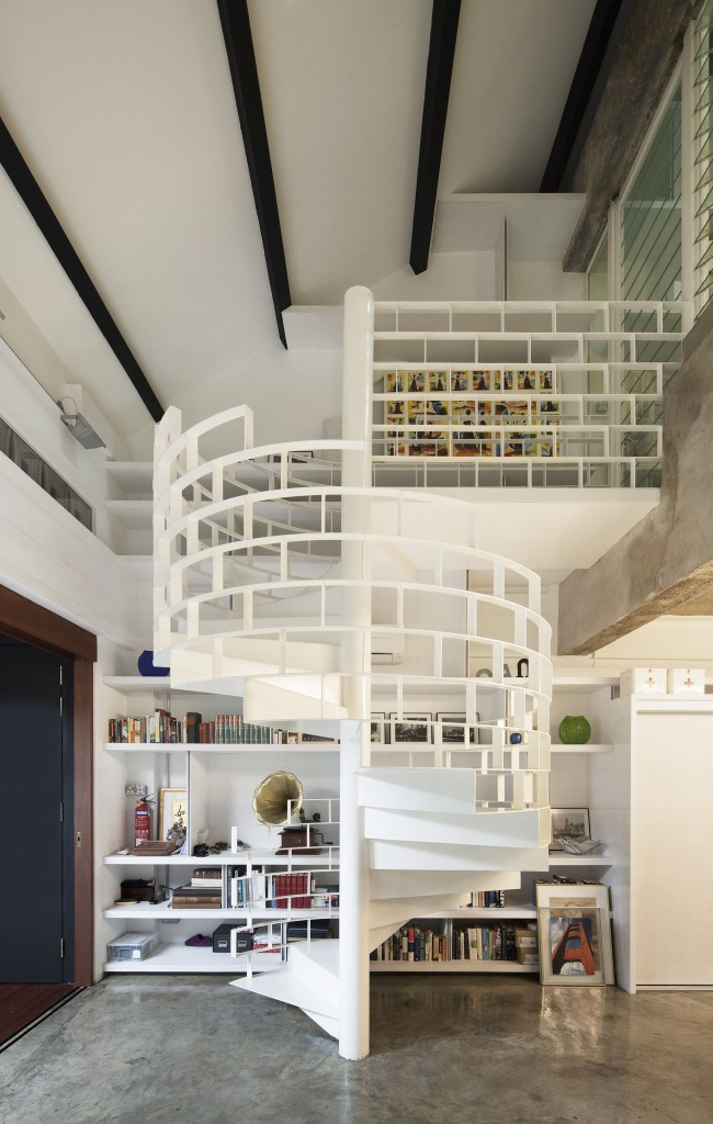 Logement à deux étages avec une élévation en spirale inhabituelle