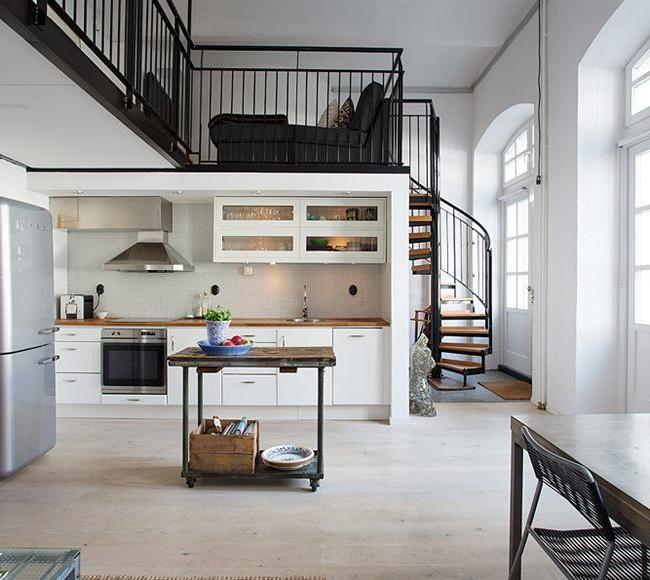 Petit loft sur deux niveaux