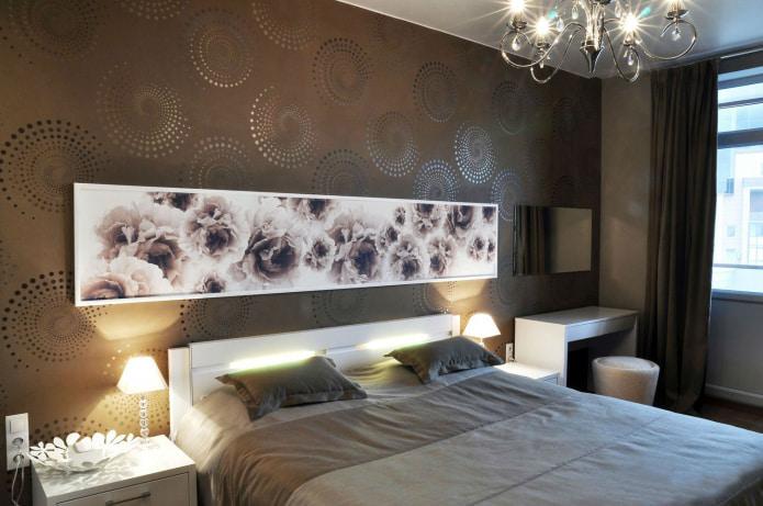 papier peint marron dans la chambre