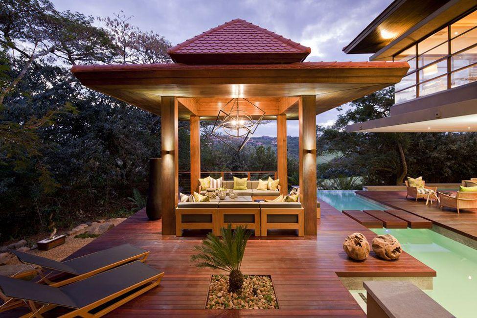 Le panneau de terrasse assurera la durabilité, la sécurité et la propreté de l'extérieur de la parcelle personnelle