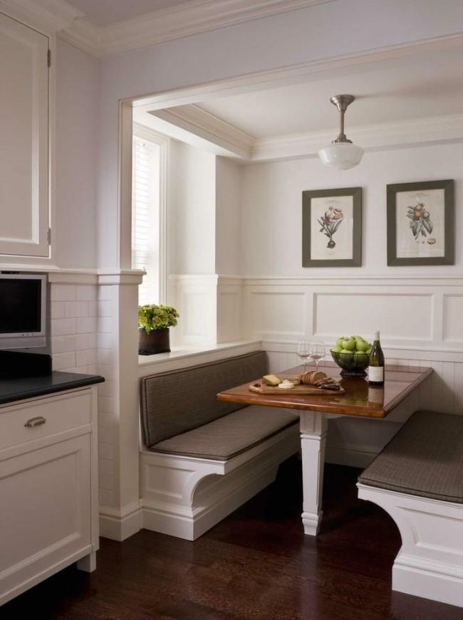 À l'aide de moulures, vous pouvez créer votre propre intérieur unique, cette méthode de décoration convient non seulement aux murs, mais aussi au plafond