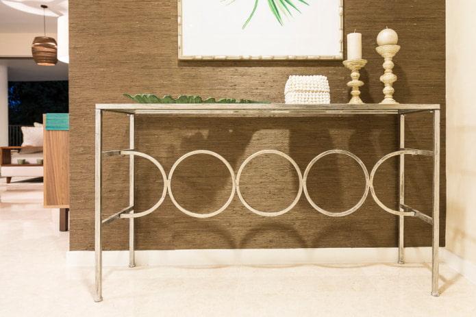 papier peint en bambou marron dans le couloir