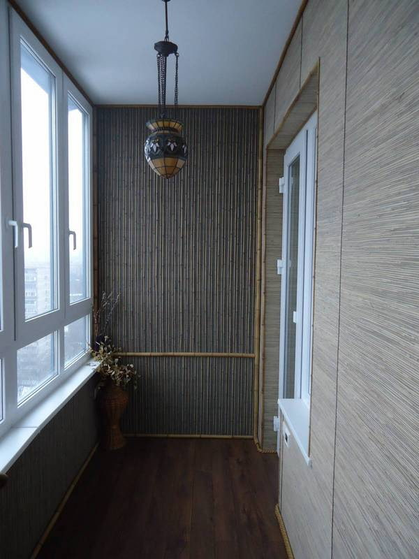 murs de bambou sur le balcon