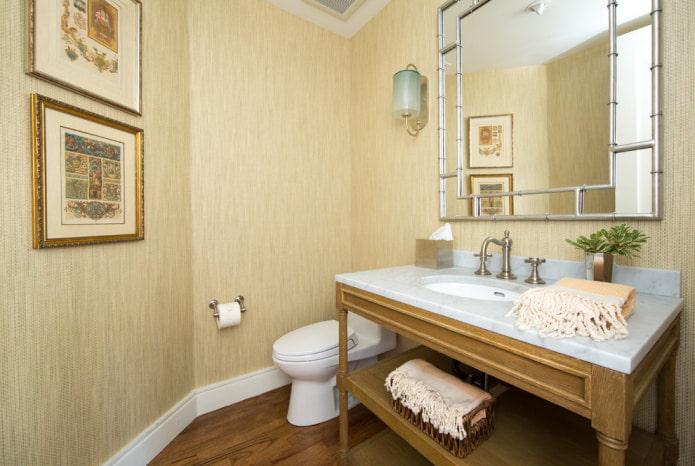 papier peint en bambou beige dans la salle de bain