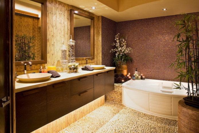 carrelage et bambou dans la salle de bain