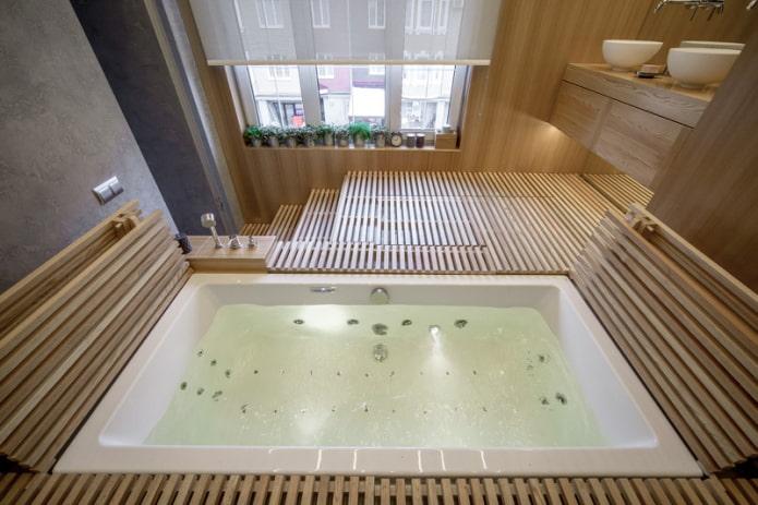 salle de bain sur le podium avec fenêtre