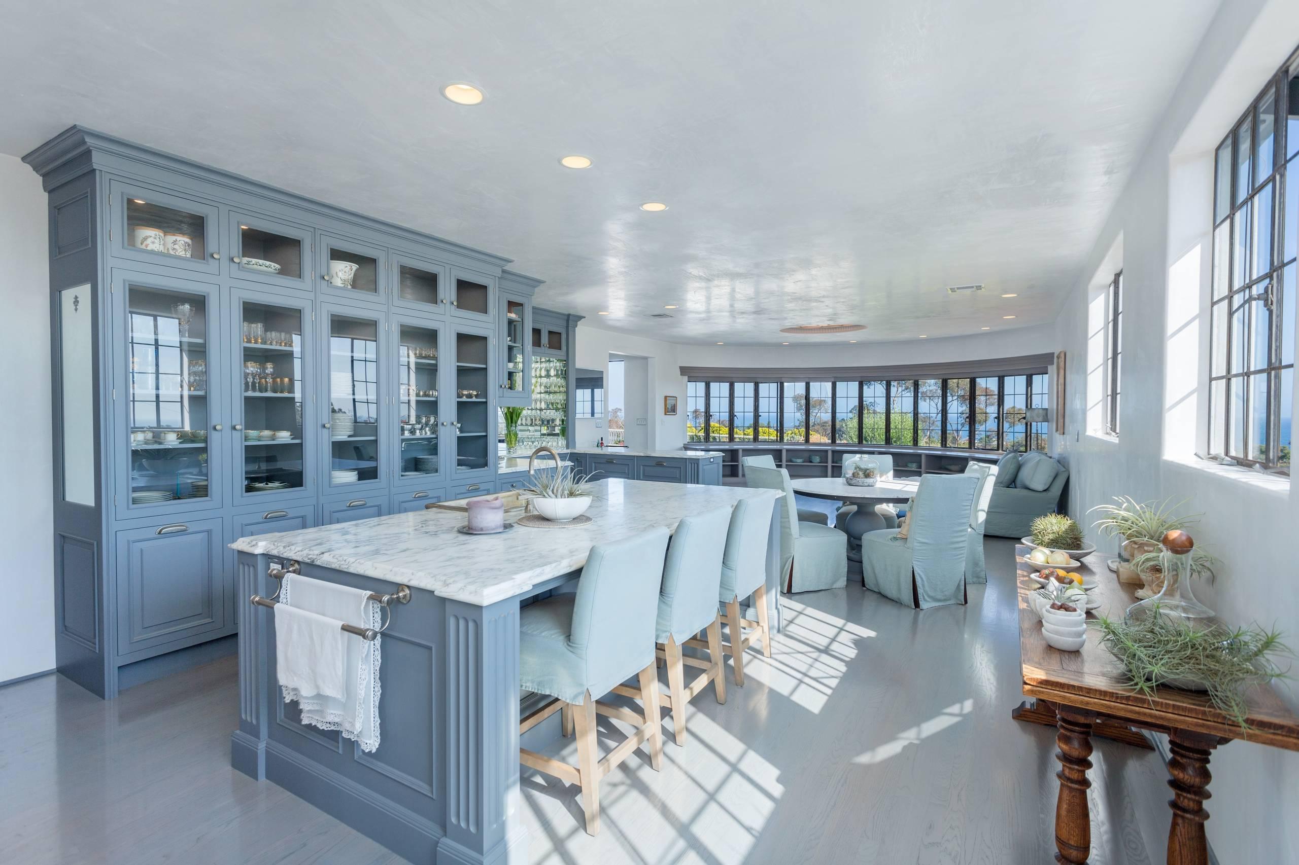 Palette de couleurs gris-bleu dans la cuisine