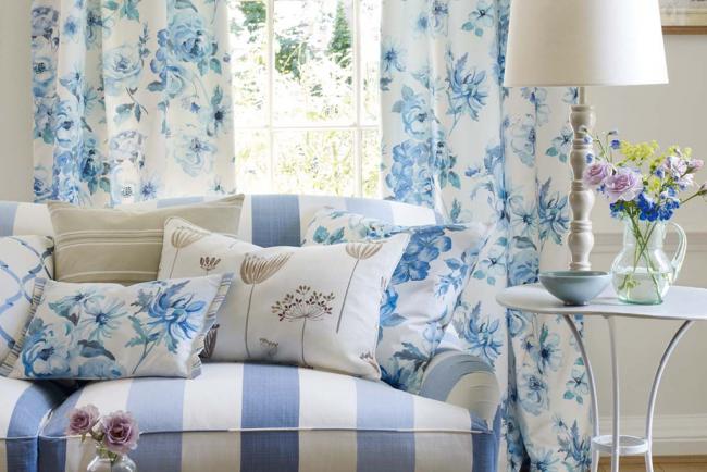 Les housses en tissus naturels peuvent préserver les meubles et créer la bonne atmosphère.
