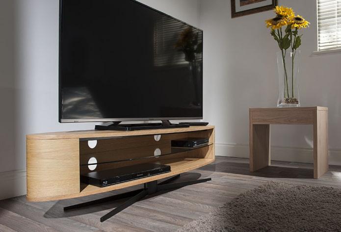 meuble TV ovale à l'intérieur