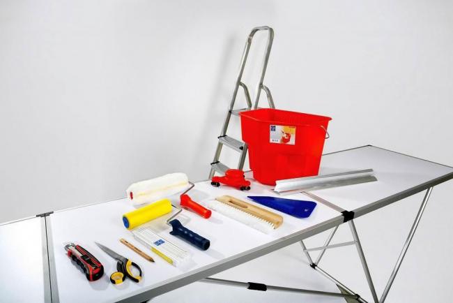 Le travail indépendant sur la décoration murale nécessite ces outils