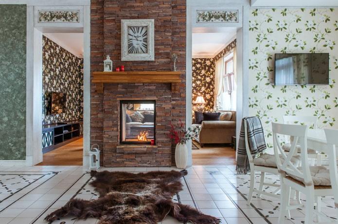 décoration en pierre décorative de la cheminée à l'intérieur