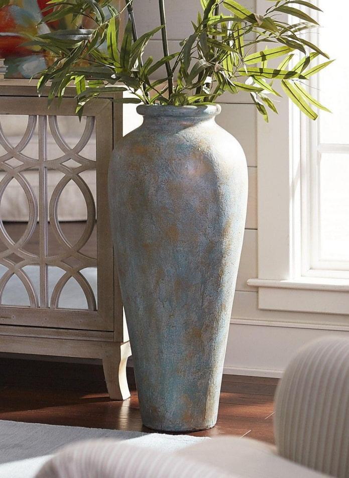 vase de sol en pierre décorative