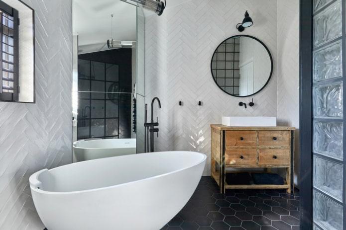 tache au-dessus du miroir à l'intérieur de la salle de bain