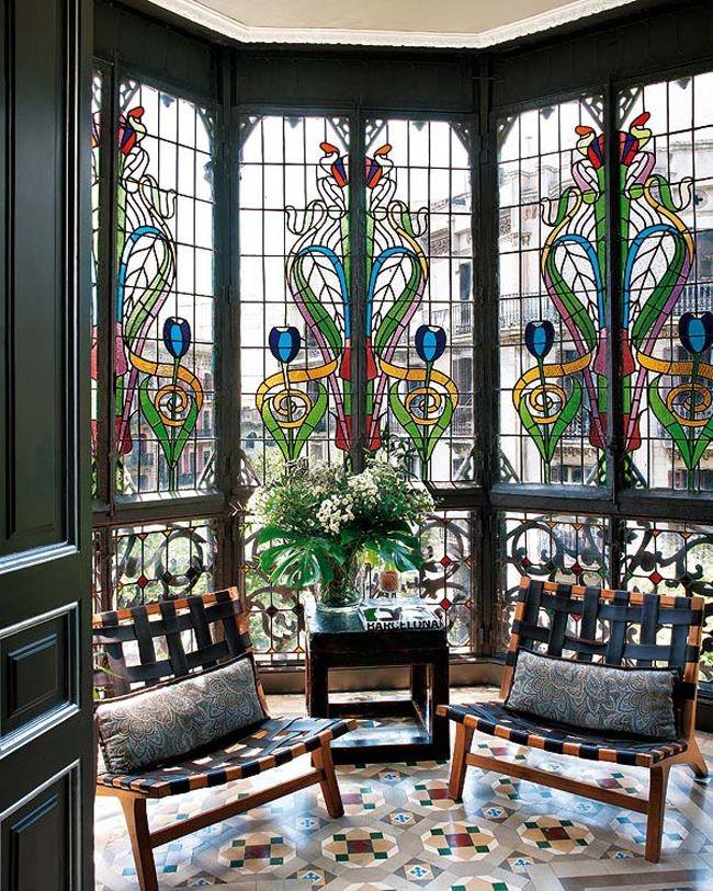 Grenier agrémenté de vitraux panoramiques