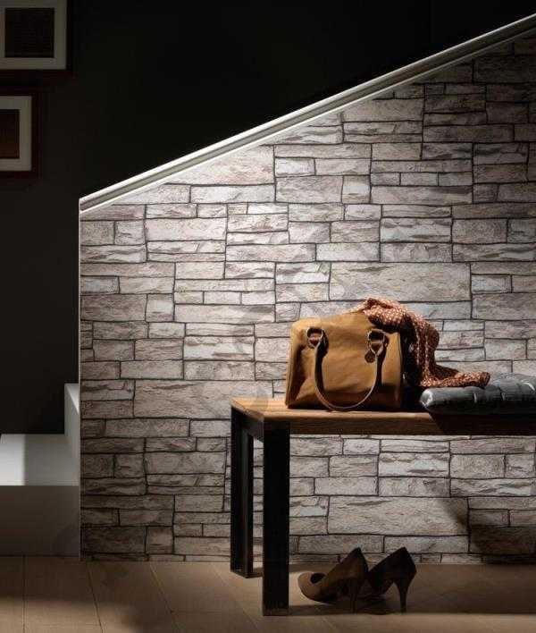 murs sous la pierre déchirée