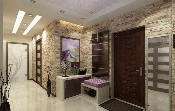 murs en pierre dans le couloir et le couloir