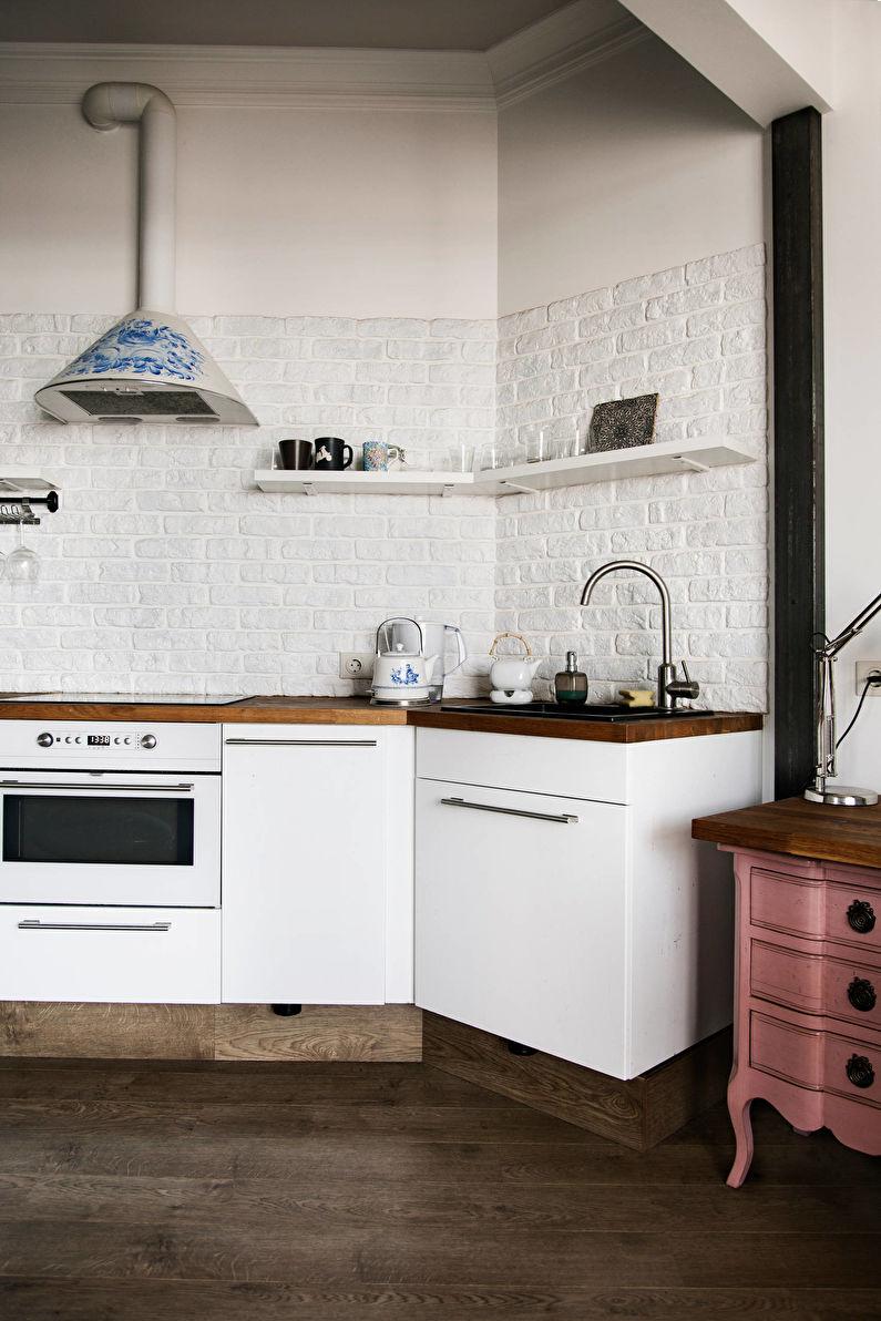 Pierre décorative artificielle dans la cuisine