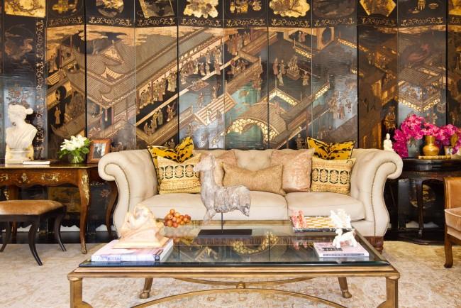 Dans le salon, le paravent peut devenir la décoration principale de la pièce.