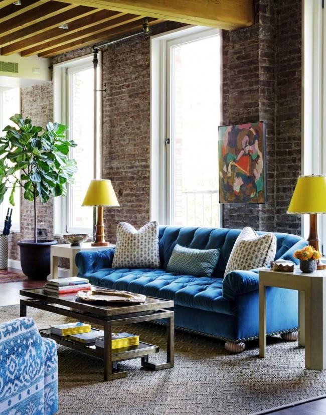 La décoration intérieure avec des briques décoratives aidera à économiser la chaleur plus efficacement