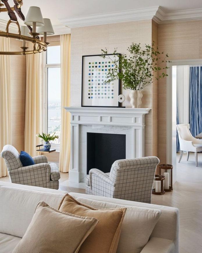 hall beige avec cheminée