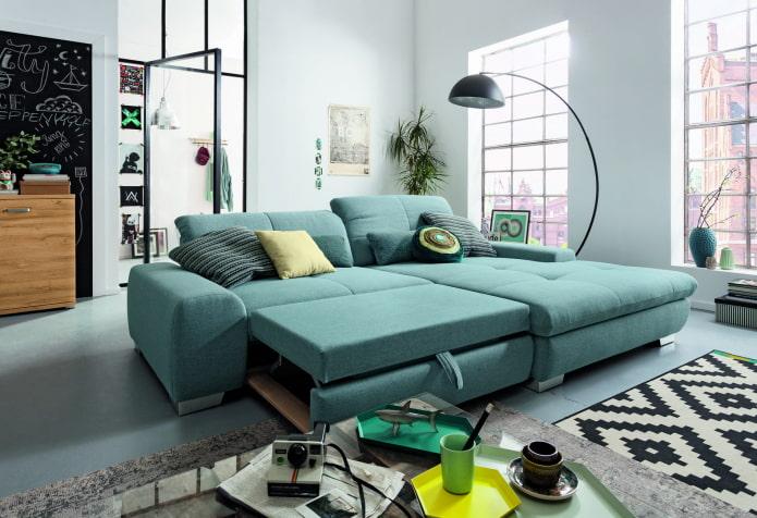 canapé pliant de couleur turquoise à l'intérieur