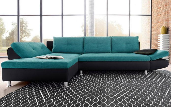canapé de couleur noir et turquoise à l'intérieur