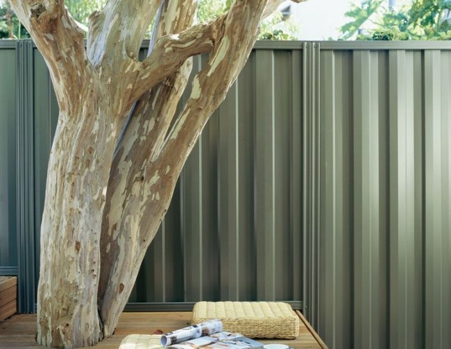 Les clôtures en carton ondulé gagnent en popularité