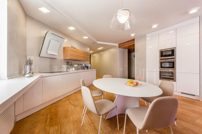 design blanc à deux niveaux dans la cuisine