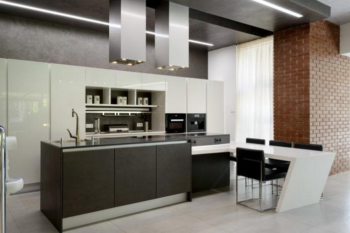 design noir à deux niveaux dans la cuisine