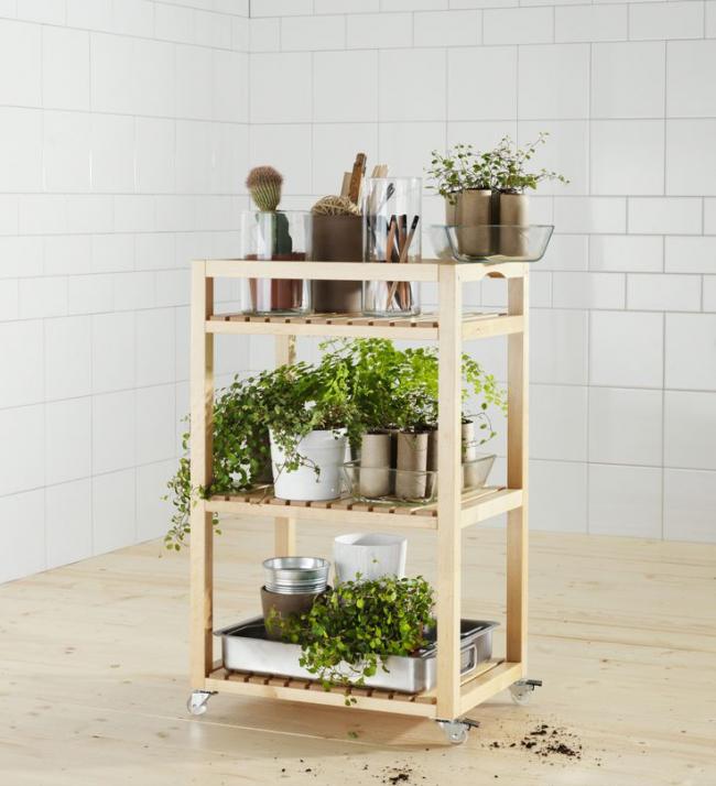 Étagère mobile en bois pour ranger les fleurs