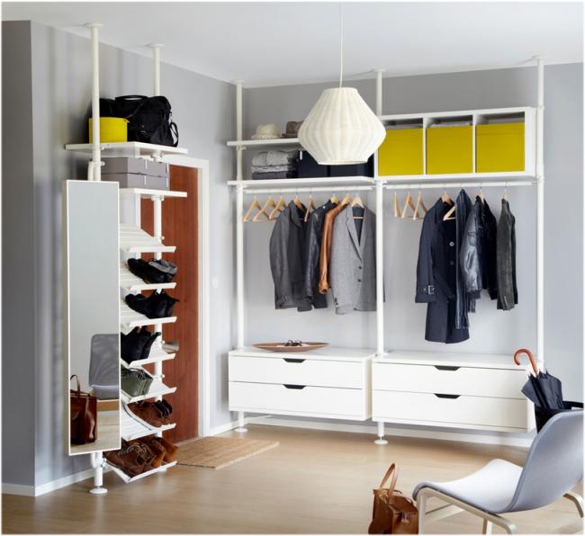 Une excellente option pour les étagères à chaussures dans le couloir