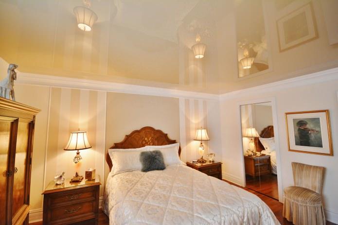 Plafond tendu brillant dans la chambre