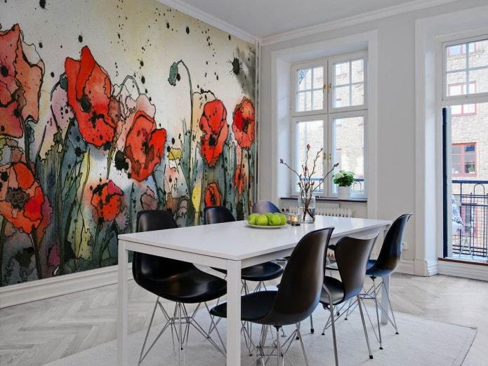 papier peint avec des coquelicots à l'intérieur de la salle à manger