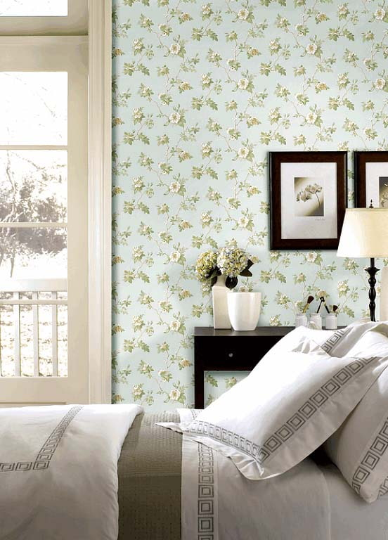 papier peint dans une petite fleur dans la chambre