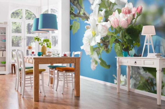 papier peint photo avec un pommier en fleurs à l'intérieur de la salle à manger