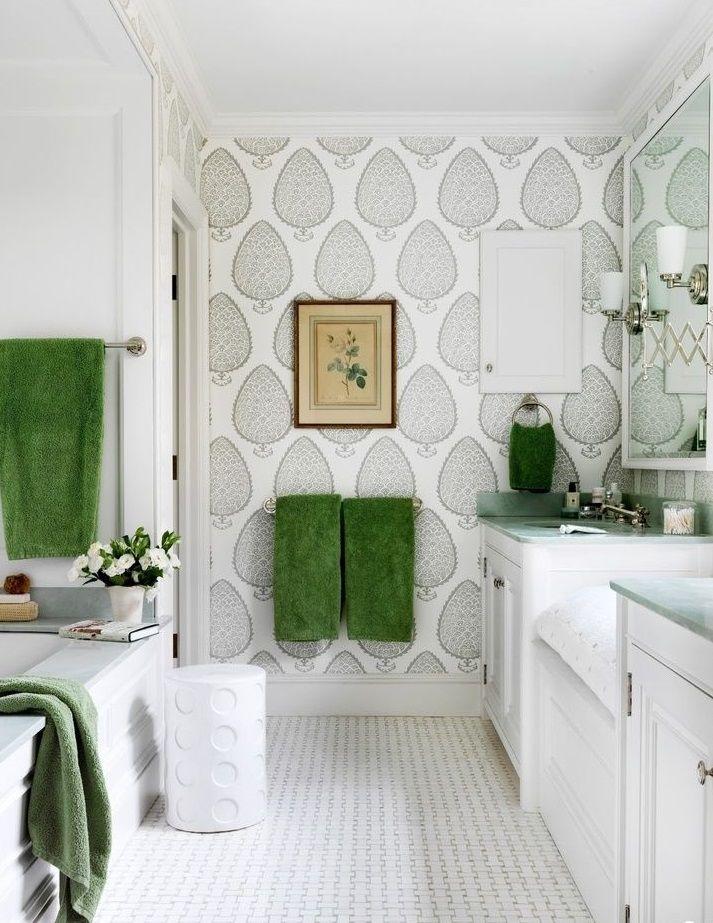 L'espace salle de bain est suffisamment petit pour économiser à la fois le coût du travail et le temps passé dessus.
