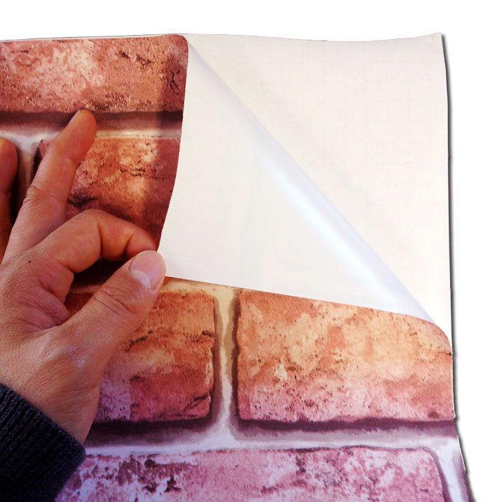 Papier peint autocollant imitant un mur de briques